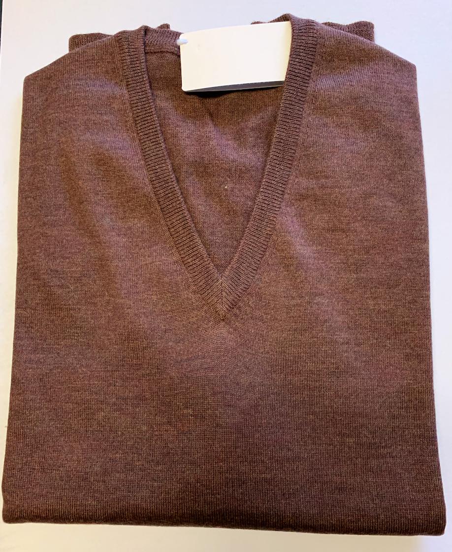 Piet Nollet Pullover ,  /  V - model / 100 % Extra fijne wol merino' s