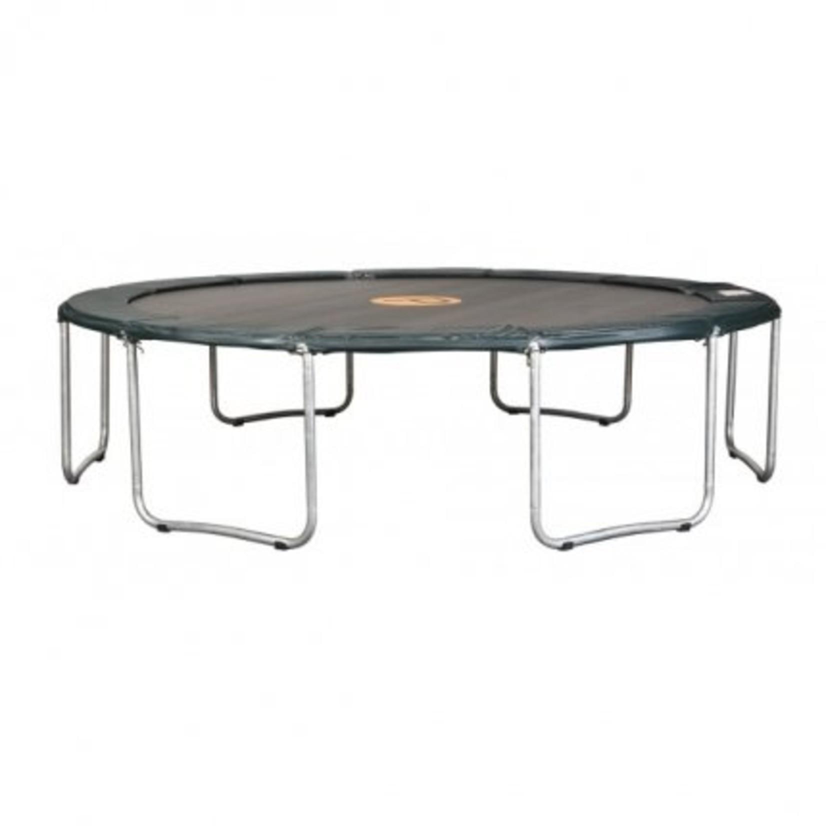 Avyna Een standaard trampoline met een zéér goede prijs/kwaliteit verhouding.Doorsnee 365cm en 90cm hoog.