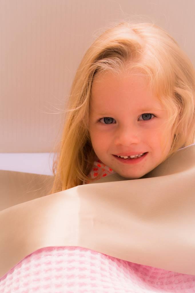 Beddengoed voor je baby: hoeslakens, slaapzakken en Silky Sleep Baby beddengoed