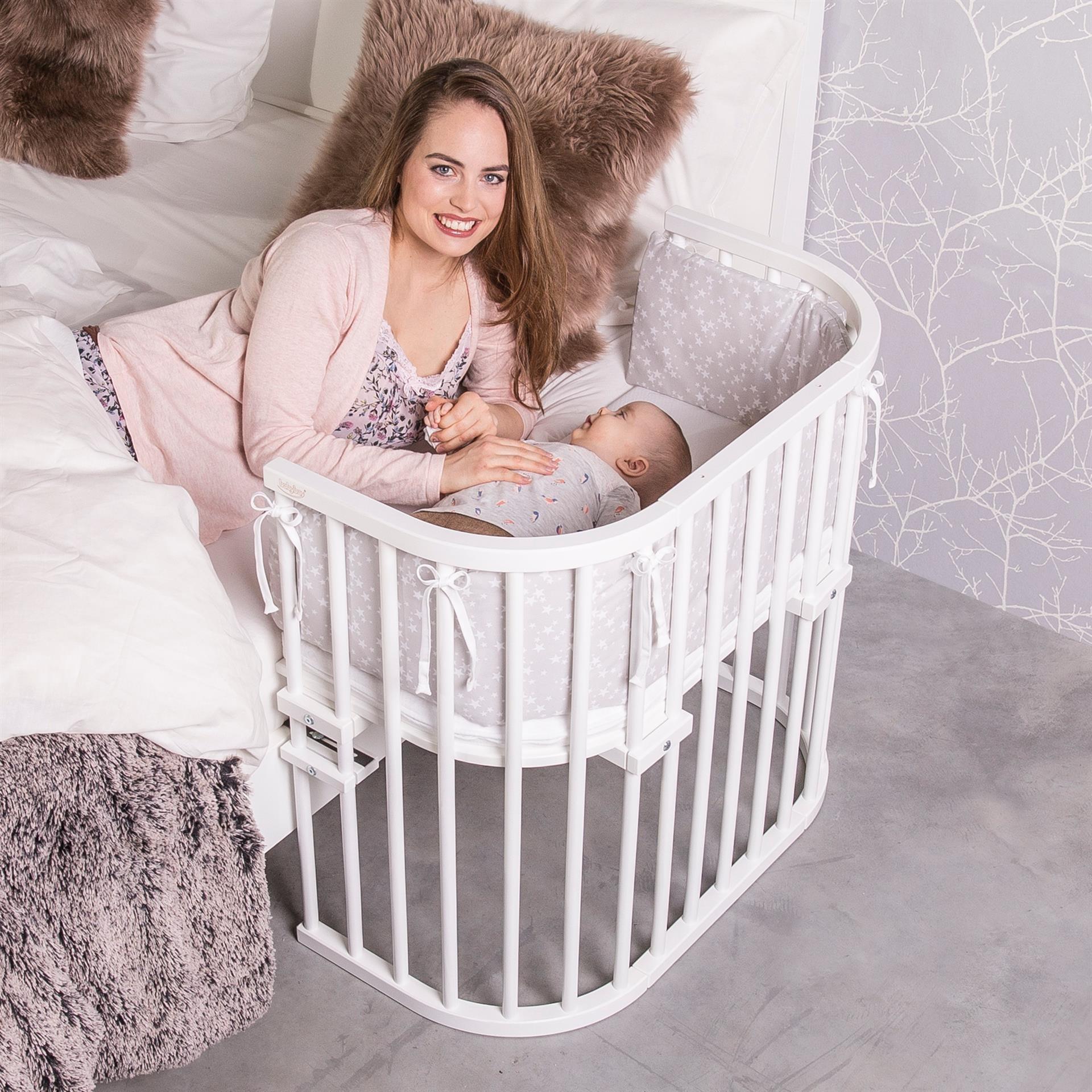 Slaap veilig samen met je baby, met een Babybay Co-slaper Original aanschuifbedje