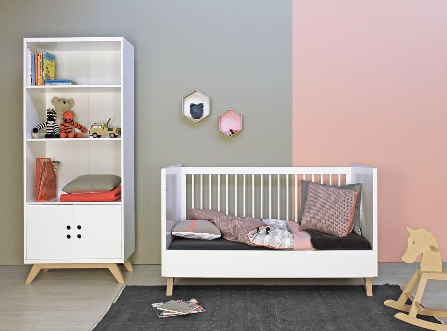 Baby opbergkasten- en boekenkasten.