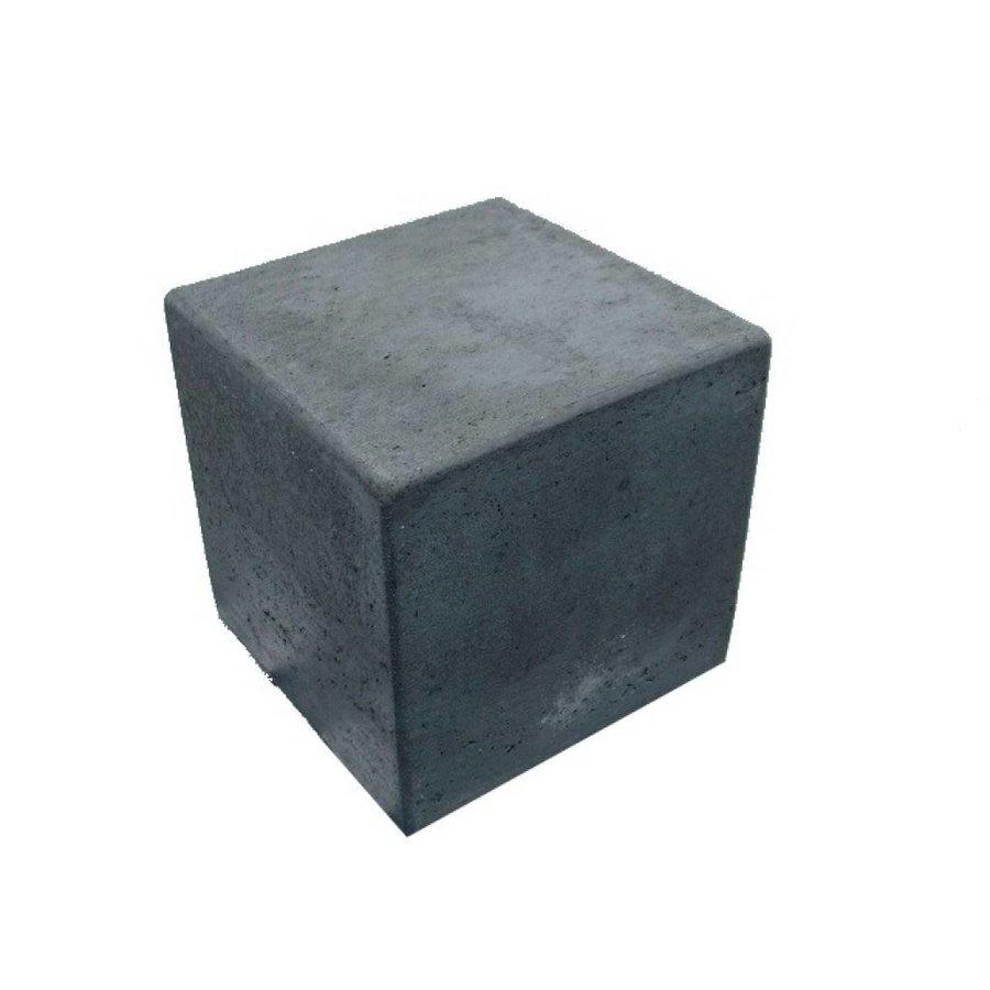 Kubus van antraciet beton 50cm