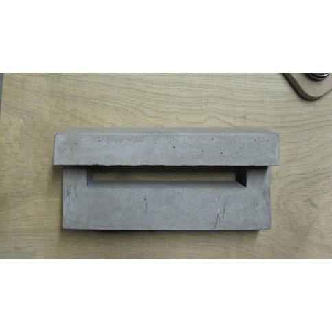 Inbouw brievenbus beton met afdakje