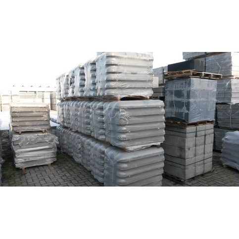 Varkensrug beton 1 kant rond en 1 kant recht grijs