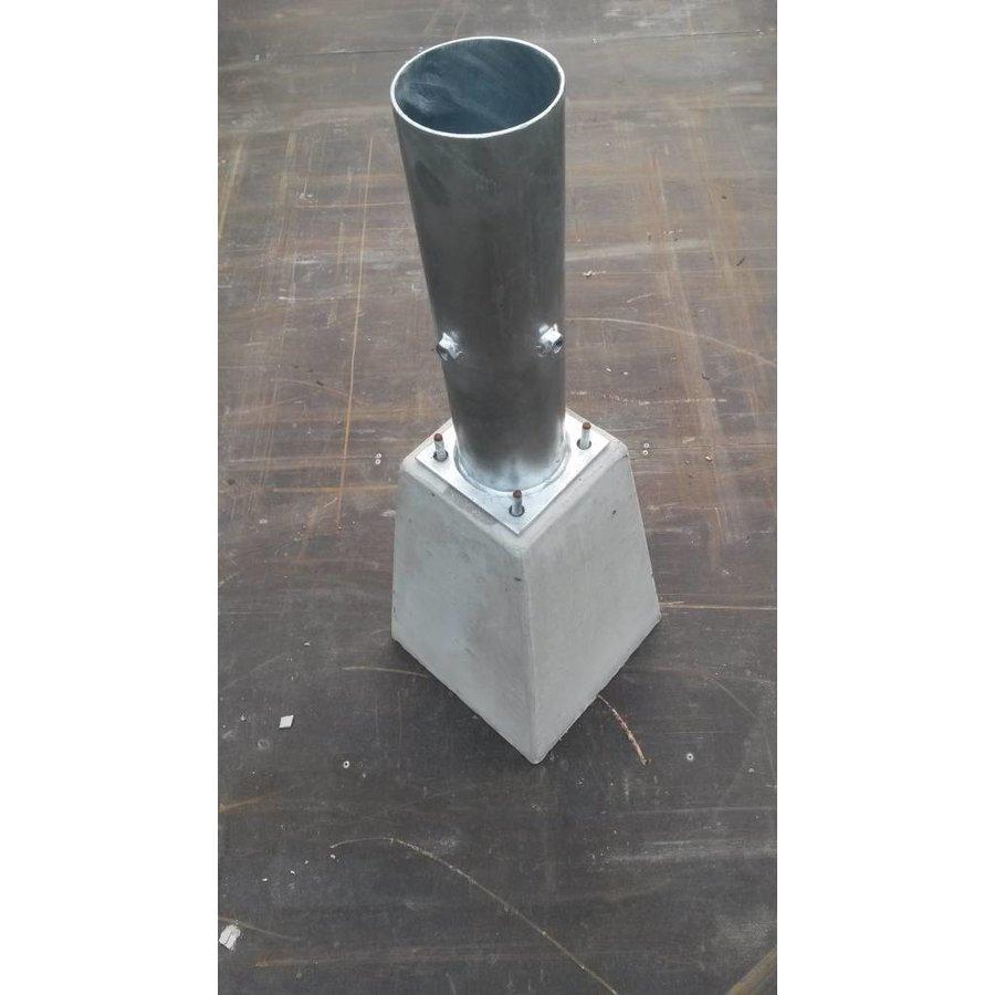 Betonpoer 15x15 en 35 cm hoog grijs M10