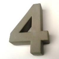 Huisnummer beton nr. 4
