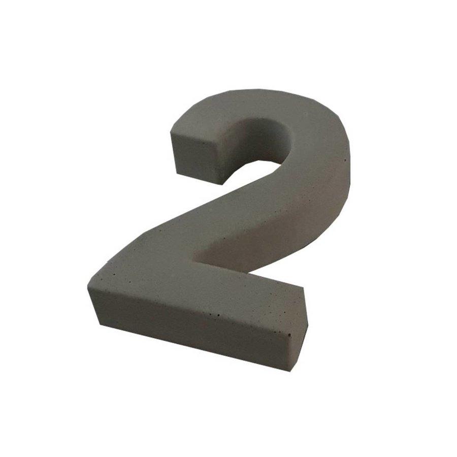Huisnummer beton nr. 2