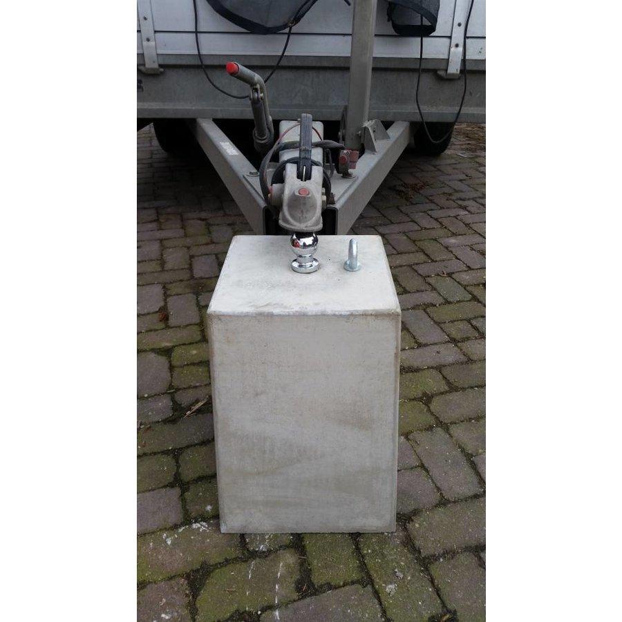 Betonpoer 30x30 en 35 cm hoog grijs met trekhaak