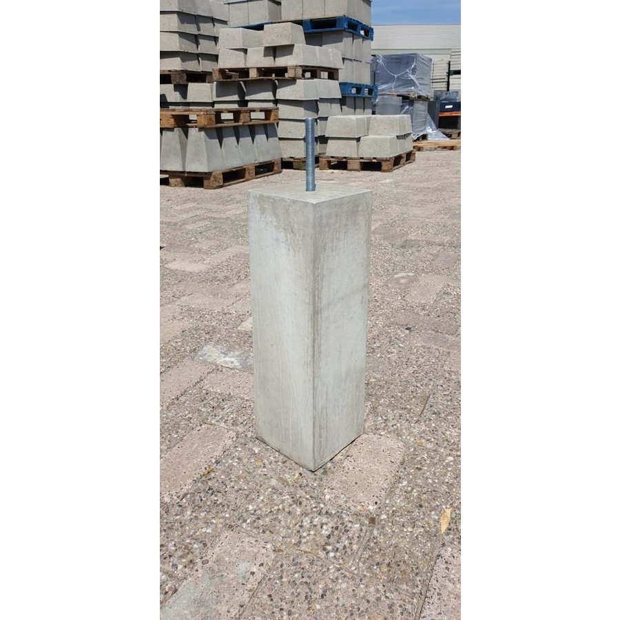 Betonpoeren 15x15 en 50 cm hoog grijs M16