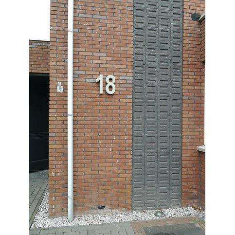 Betonnen huisnummer 1 GROOT