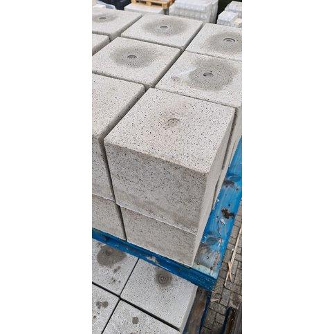 Betonpoer 30x30 en 30 cm hoog grijs