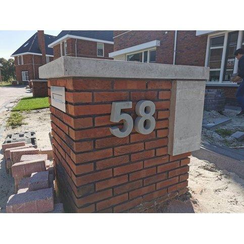 Huisnummer beton 8