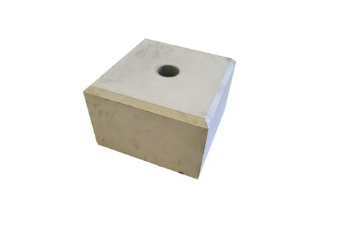 Betonpoer 30x30 en 20 cm hoog grijs met gat 5,5 cm