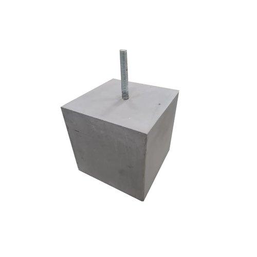 Betonpoer 20x20 en 20 cm hoog licht antraciet M16