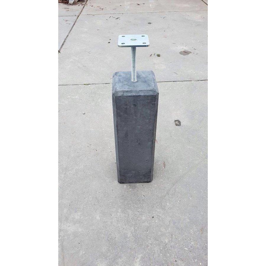 Betonpoer 18x18 en 50 cm hoog antraciet M16