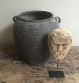 Vergrijsde oude pot (L)