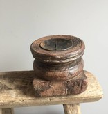 Indiase houten kandelaar