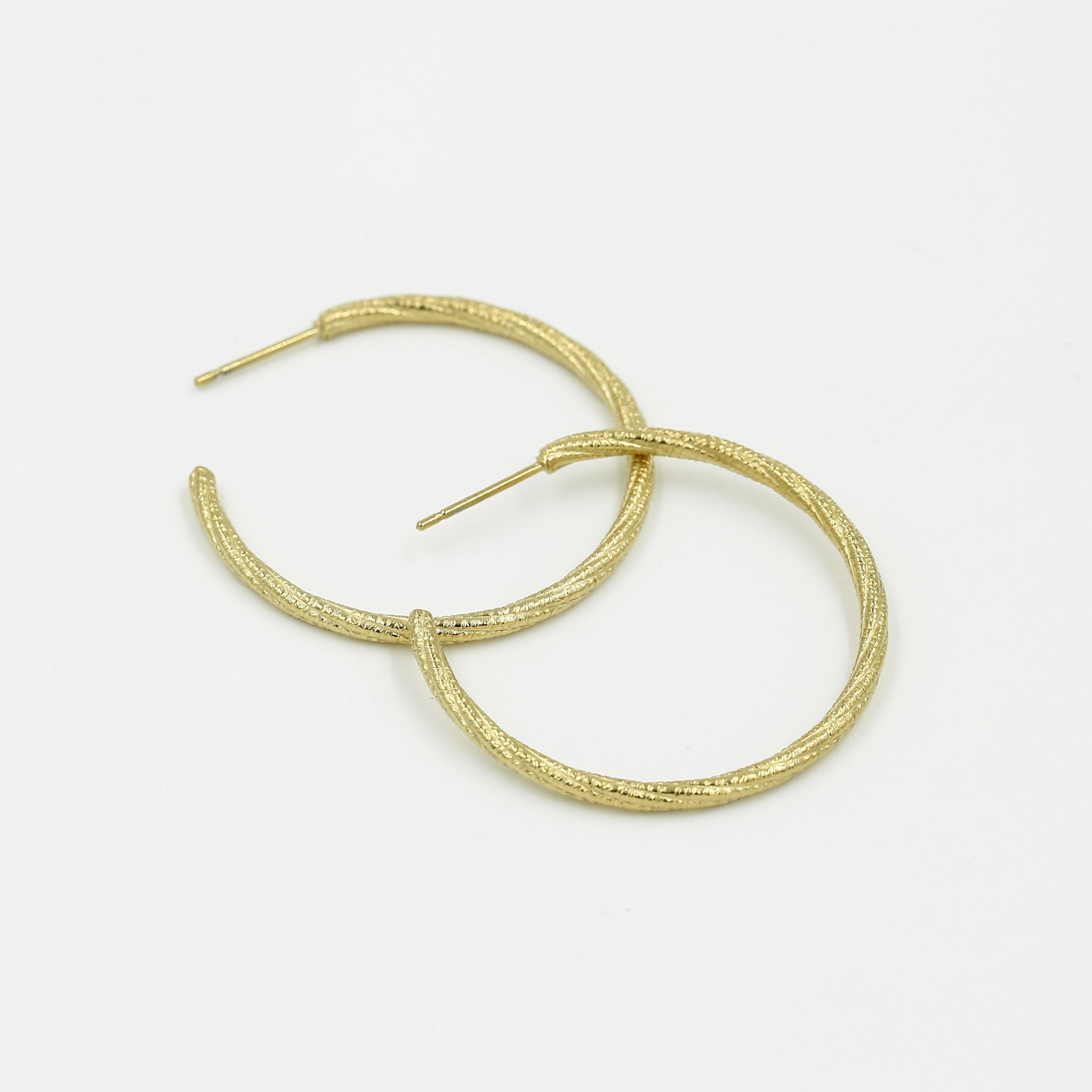 Stainless Steel Hoop Earrings with Shiney Pattern