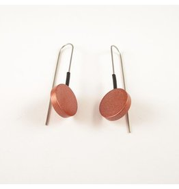 Moderne oorbellen Bruin