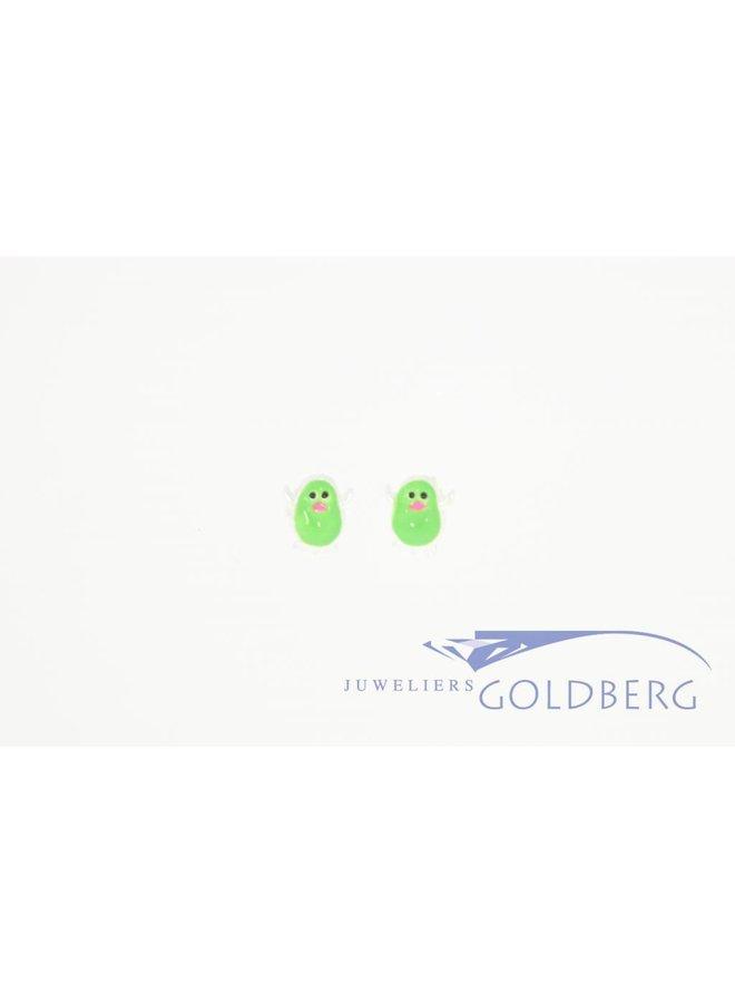 Silver penguin earstuds green enamel