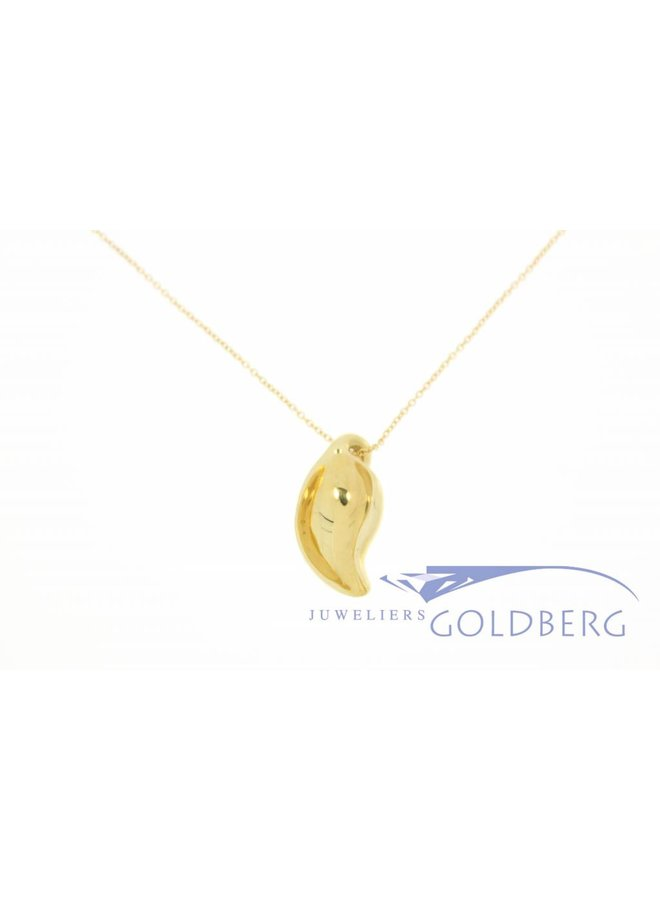 Vintage Tiffany & Co necklace with design pendant