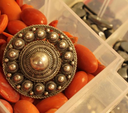 Vintage Brooches and accessories