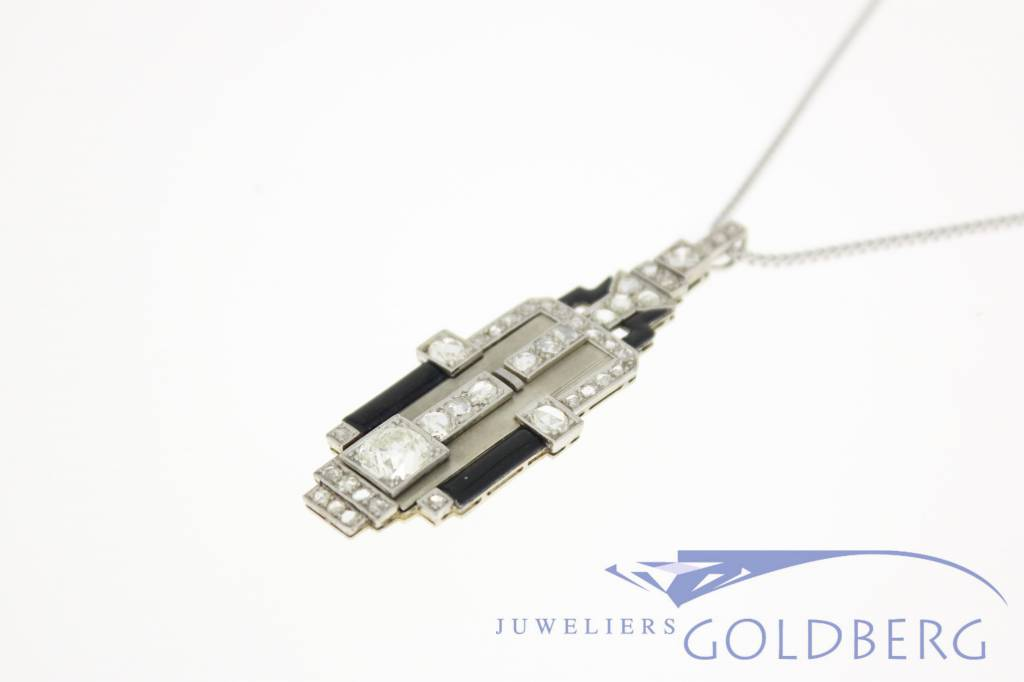 Antique white gold Art Deco pendant with diamonds