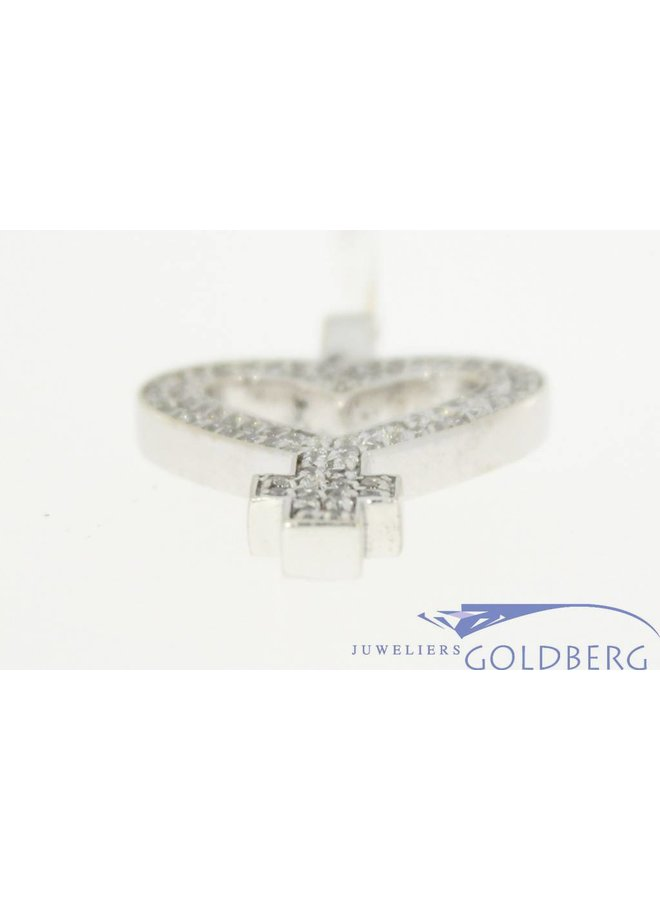 Vintage 14 carat white gold heart-shaped women's symbol pendant with zirconia