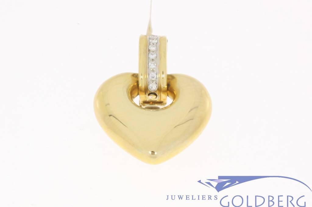 Robuuste vintage 18k gouden hartvormige hanger met ca. 0.32 briljant geslepen diamant