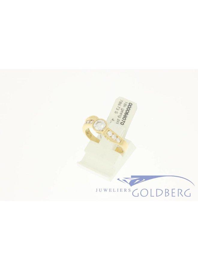 Vintage 18k gouden ring met zirconia's