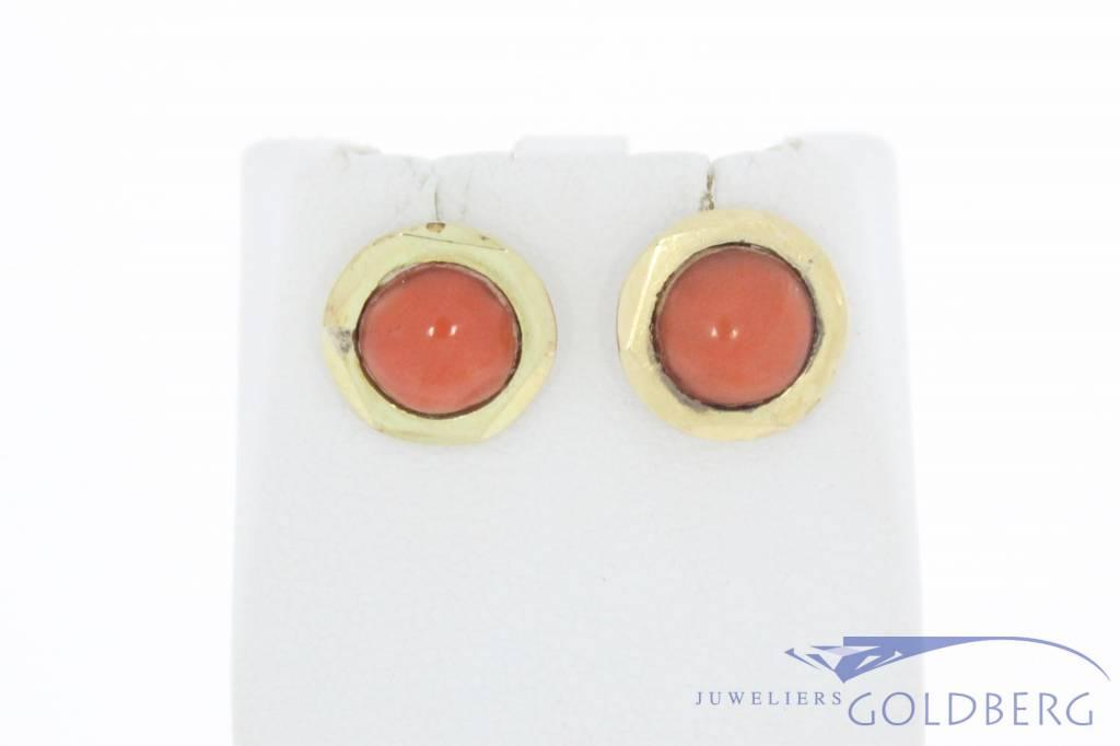 Antieke 14k gouden oorhangers met bloedkoraal 1906-1953