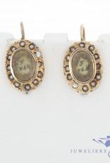 Antieke 14k gouden rouw oorhangers met steenparel 1853-1906