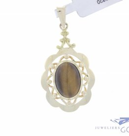 Vintage 14 carat gold pendant with tiger eye