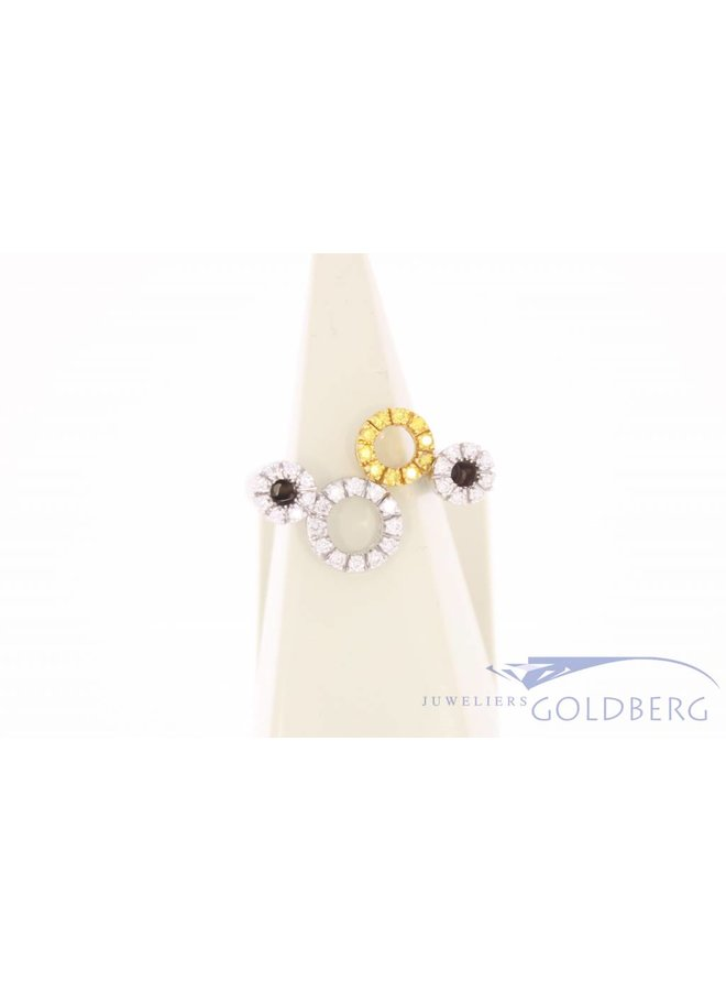 Vintage 18 carat white gold ring with white and yellow diamonds
