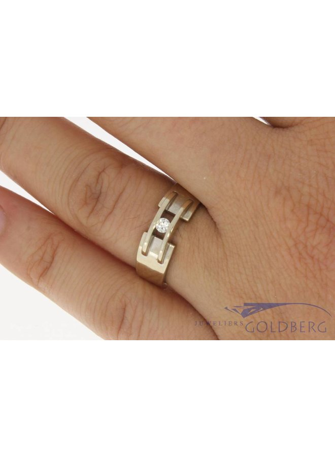 Vintage 14 carat white gold design ring with 0.08ct brilliant cut diamond