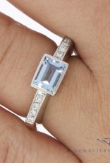 Vintage 14 carat white gold ring with aquamarine and 0.12ct brilliant cut diamond