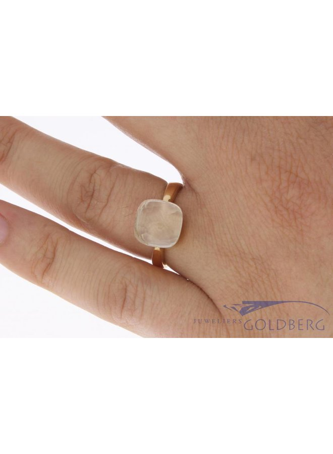 18 carat rose gold ring with clear white stone