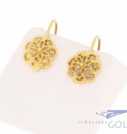 Vintage 18 carat gold flower-shaped earrings