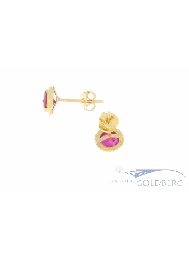Vintage 18 carat gold earstuds with synthetic ruby