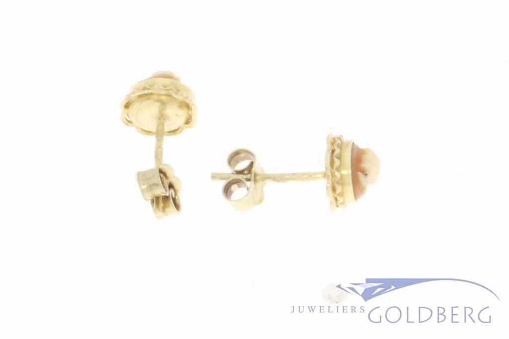 Vintage 14k gouden camee oorstekers