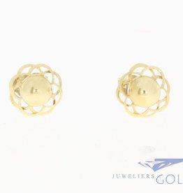 Vintage 14 carat gold flower-shaped earstuds