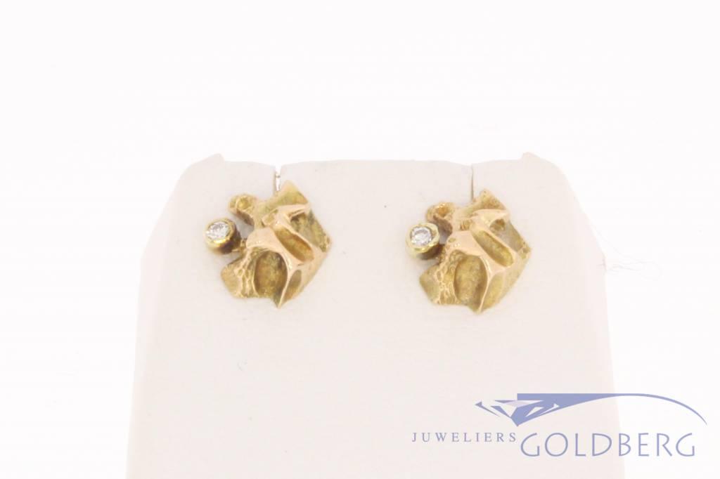 Vintage 14k gouden bewerkte oorstekers met ca.  0.06ct briljant Zweden