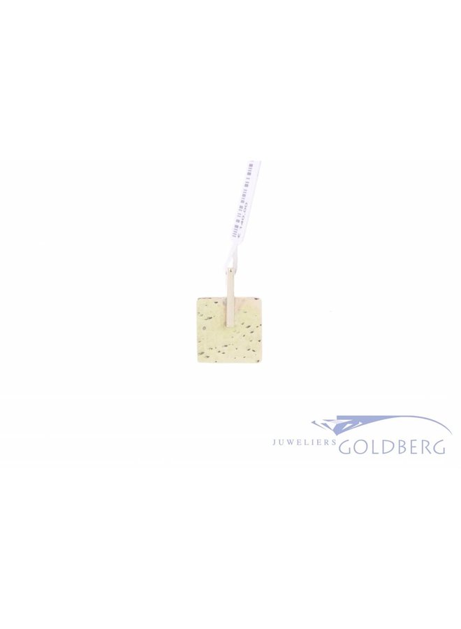 14k gold pendant with hammer texture