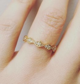 Vintage 18 carat gold ring with ca. 0.10ct brilliant cut diamond