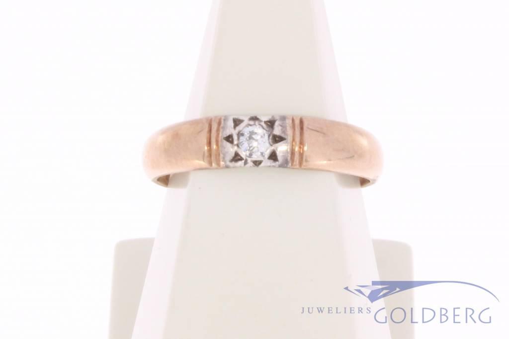 Vintage 14 carat bicolor gold solitair ring with ca. 0.04ct brilliant cut diamond
