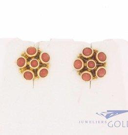 Vintage 14k gouden oorstekers met bloedkoraal