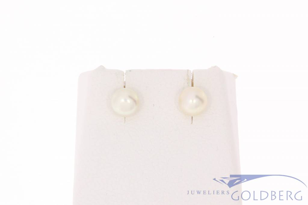 Vintage 14 carat gold earrings with real cultivé pearl
