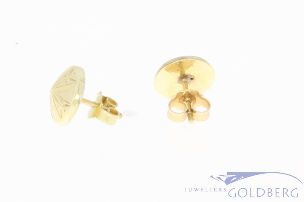 Vintage 14 carat gold decorated circular earstuds