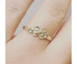 96d526063cc51 Modern vintage 14 carat gold ring with ornament