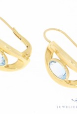 Vintage 18 carat gold earrings with aquamarine